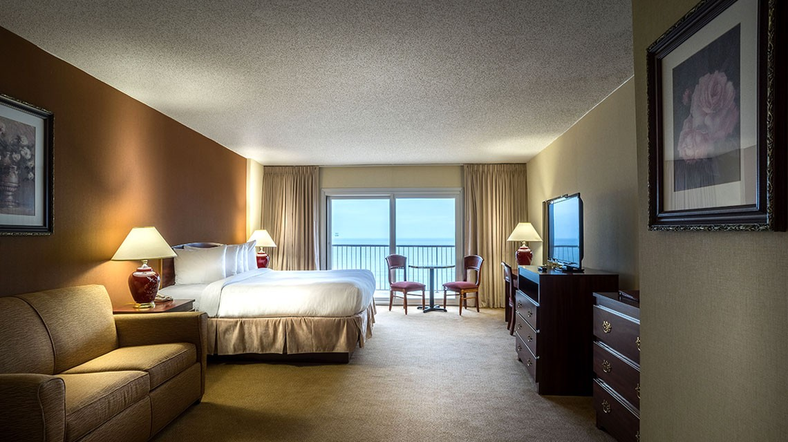 King Jacuzzi Ocean Front Rooms | Grand Hotel & Spa