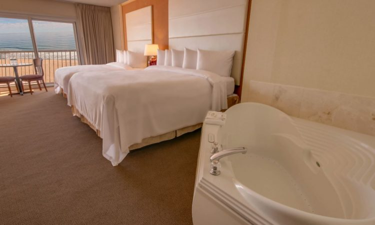 double bed bedroom and jacuzzi