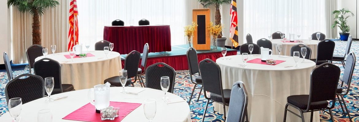 Grand Hotel Ballroom Day 1170x400 Meetings & Events